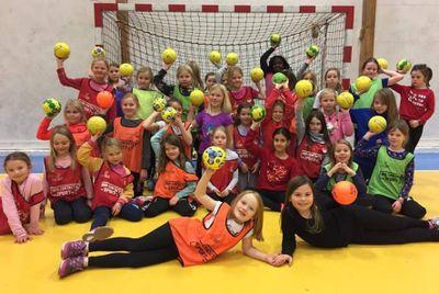 318e4957 Nidelv ønsker at flest mulig barn skal få finne ut om håndball er noe for  dem. Skole og SFO er en viktig arena for å presentere håndball for barna.